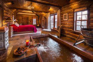 Soverommet til en av husene i gruvelandsbyen Dunton Hot Springs